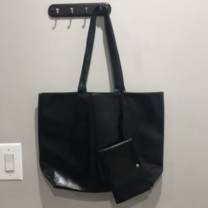 Handbags - 🌹OVERLARGE BLACK TOTE BACK TO SCHOOL 🌹